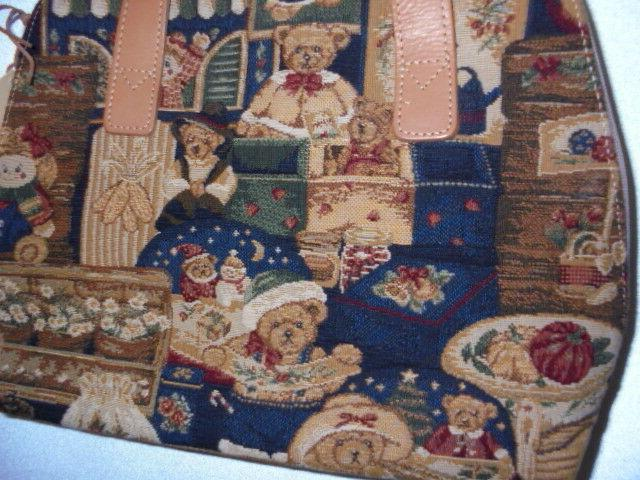 FLEMISH TAPESTRIES TOTE WITH NEW TAGS DISPLAY