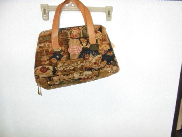 FLEMISH TAPESTRIES BAG WITH WITHOUT TAGS MODEL