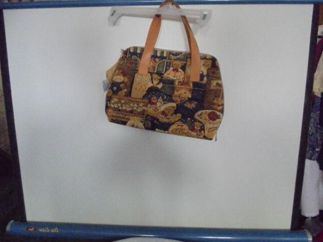 FLEMISH TOTE WITH TAGS MODEL